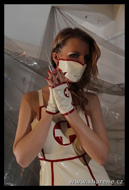 latexova-uniforma-zdravotni-sestricka-latex-nurse